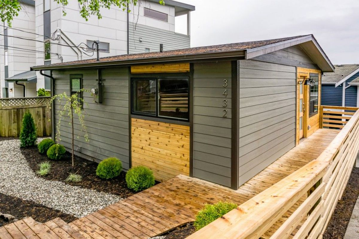 Tiny Home Designs: Minimalists, Take Note Of This Tiny In Magnolia