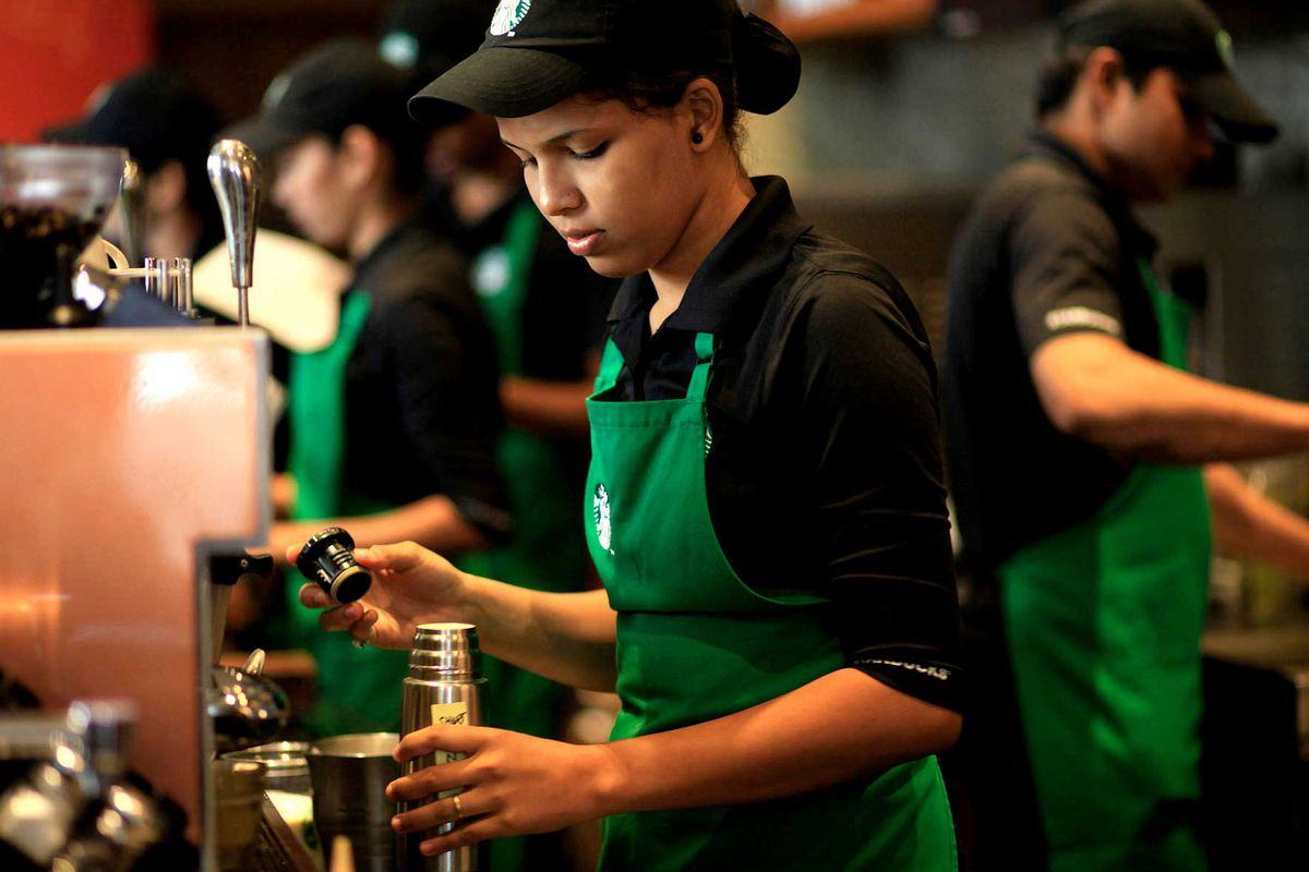 starbucks baristas petition company for more hours eater a starbucks barista has caught the attention of the company s top executives after publishing a petition that says workers are being stretched too thin due
