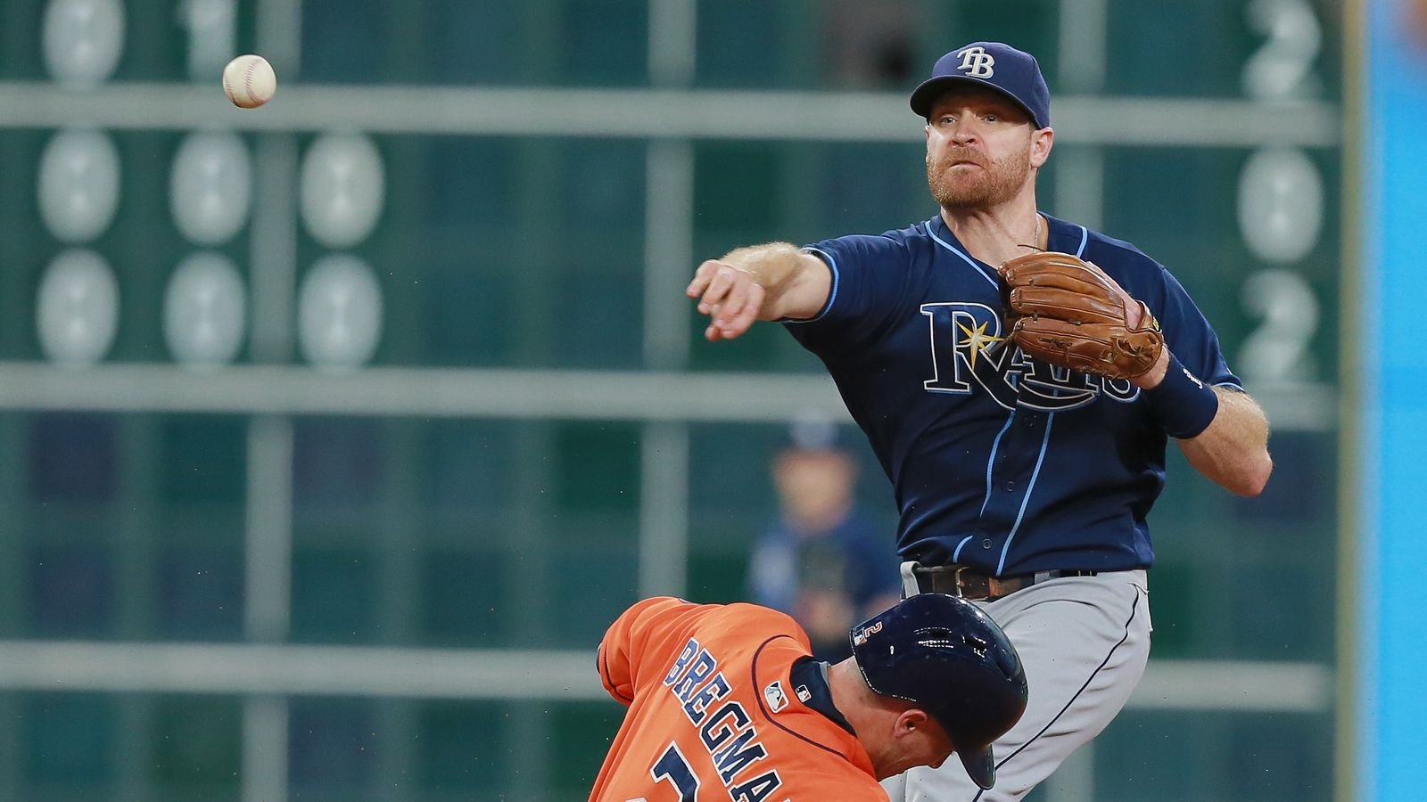 Dodgers acquire Logan Forsythe from Rays for Jose De Leon