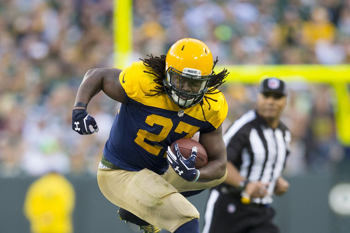 Seattle Seahawks RB Eddie Lacy weighs 267 pounds