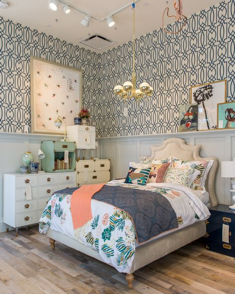 Anthropologie 39 s upgraded newport beach store offers major for Anthropologie store decoration ideas