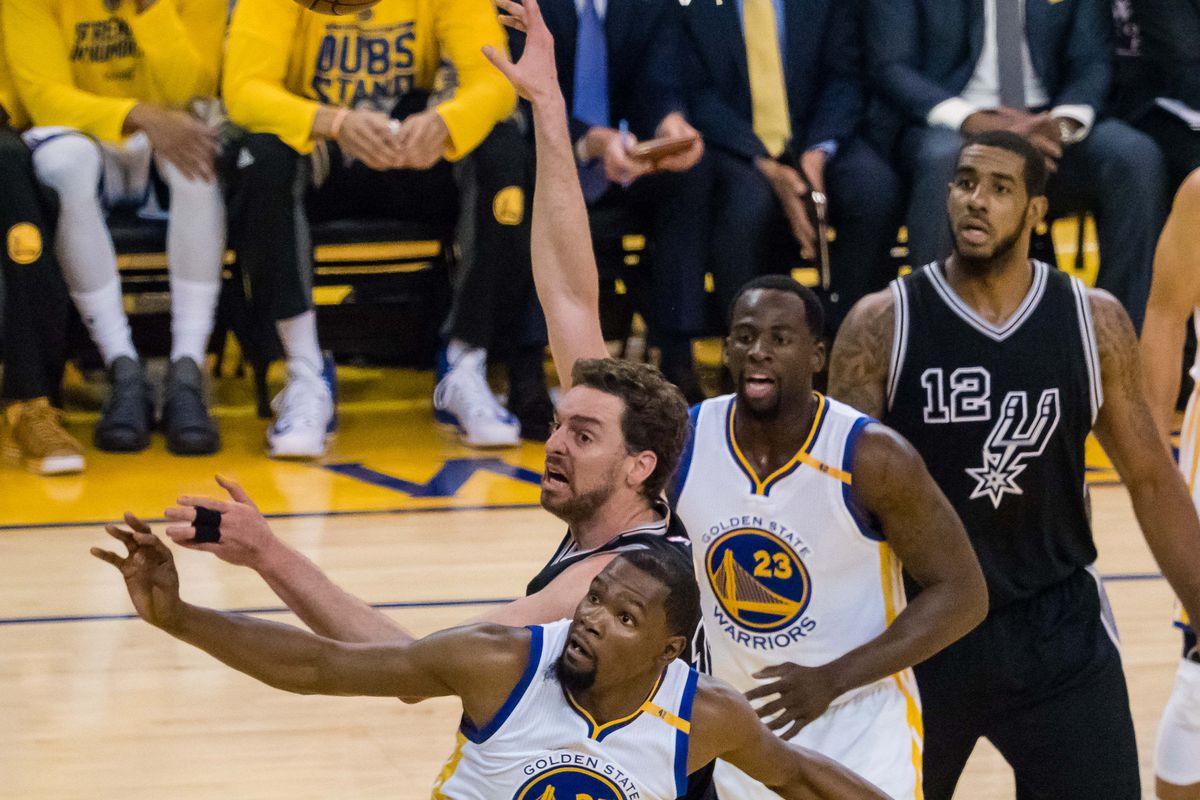 Spurs Fan Suing Zaza Pachulia, Warriors Over Injury To Kawhi Leonard