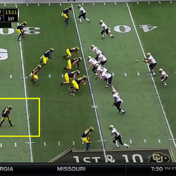 But his alley instincts kick in as soon as he notices it's a run, and that he's the inside perimeter defender.