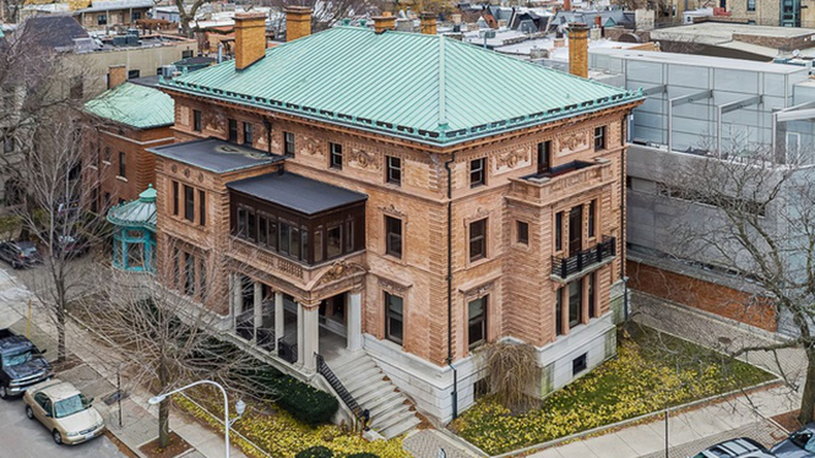 Foreclosed wrigley mansion returns with a price for Mansion in chicago for sale