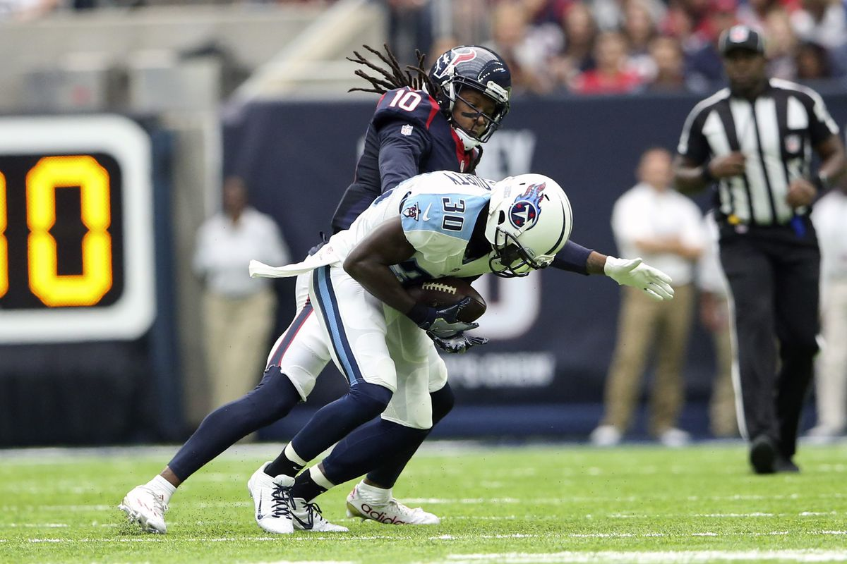 Ex-Titans CB McCourty to sign with Browns