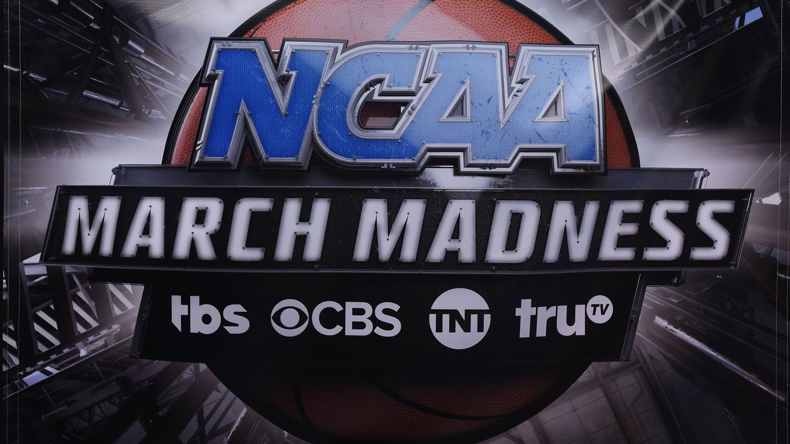 NCAA keeps making Eastern Time teams play late games on the West Coast. That's bad.