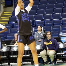 UCLA's Monique Billings shoots during a drill at their Sweet 16 practice.<br>