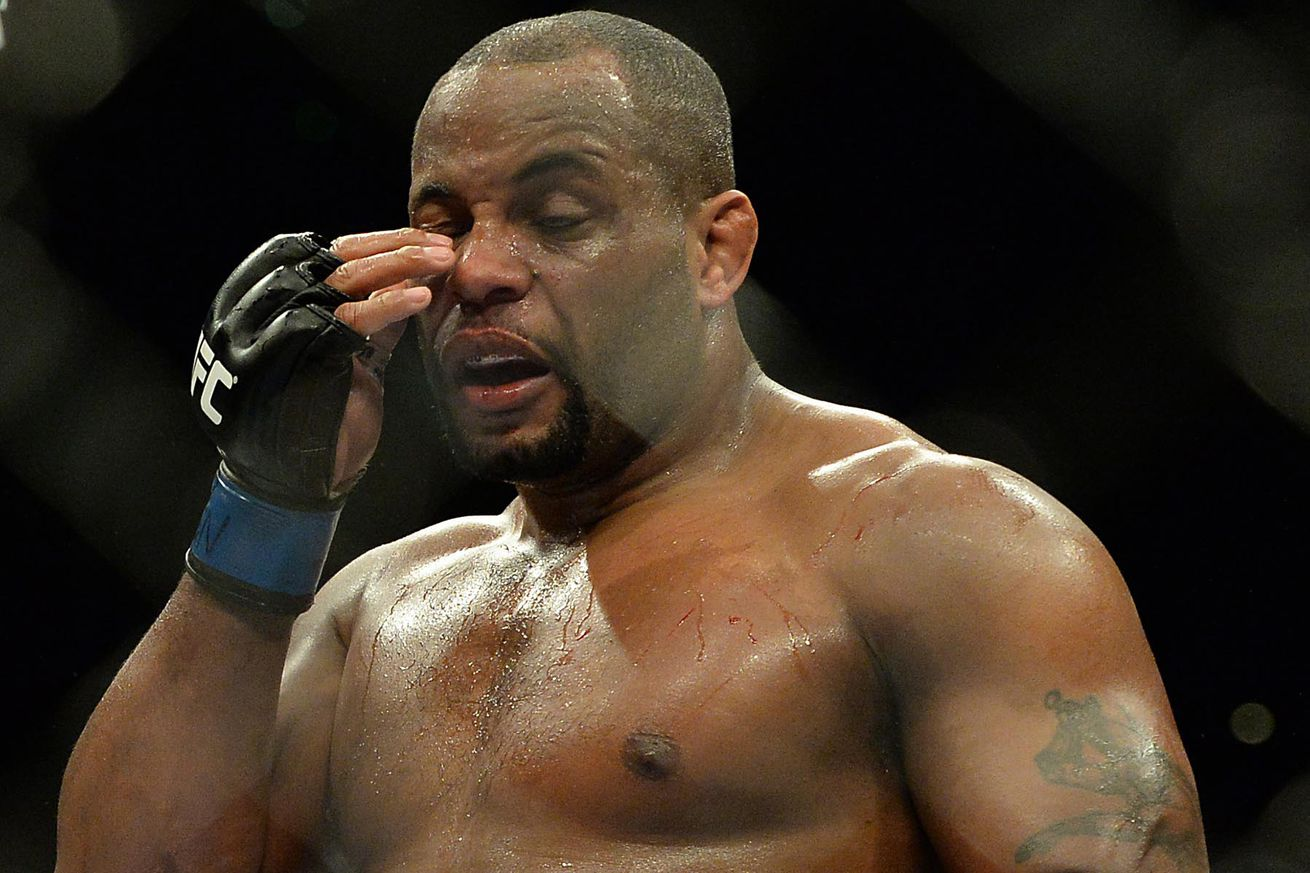 Daniel Cormier: I was under the influence during Twitter tirade against Jon Jones