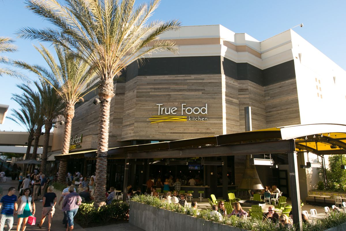 seafood class at true food kitchen; bellamy's chef in baja - eater