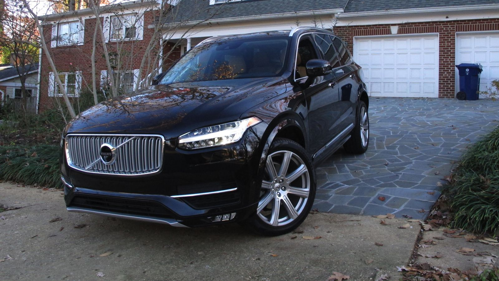 volvo xc90 a thanksgiving road test for sweden 39 s hot new suv the verge. Black Bedroom Furniture Sets. Home Design Ideas