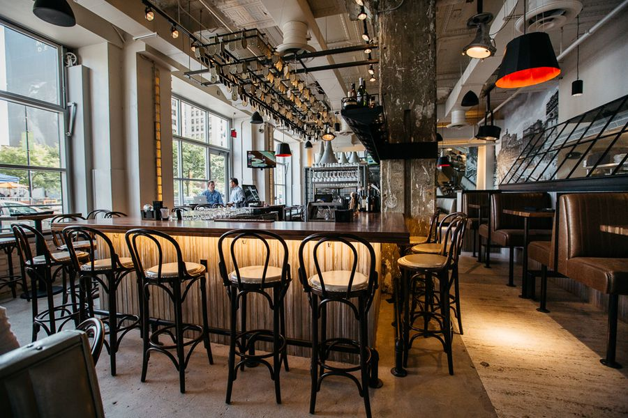 Behold Central Kitchen Bar Downtown 39 S Slick New Gastro