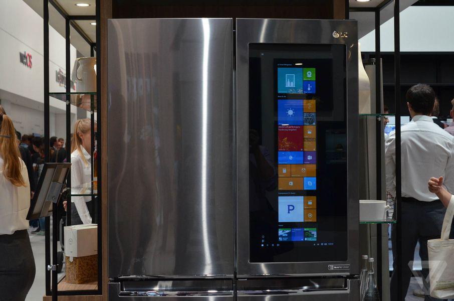LG Put Windows 10 On A Fridge
