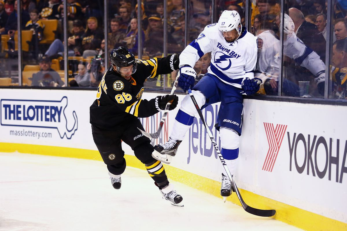 Lightning rally multiple times to dump Bruins