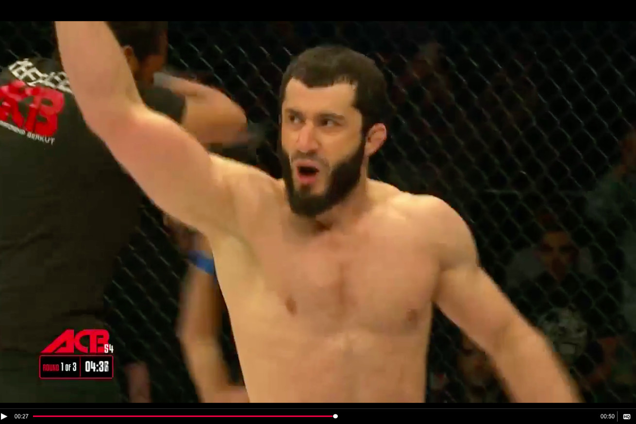 Mamed Khalidov smashes Luke Barnatt in just 24 seconds at ACB 54