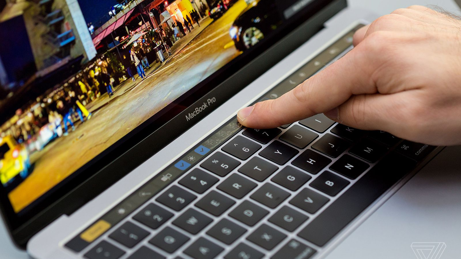 Apple reportedly failed to make a longer-lasting MacBook Pro battery