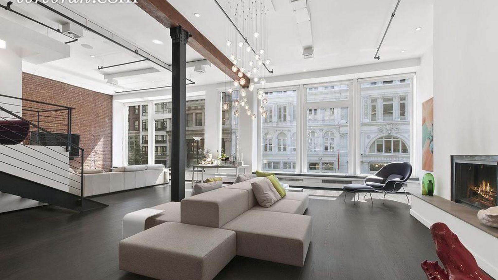 Airy flatiron loft steps from madison square park seeks for Loft in manhattan for sale