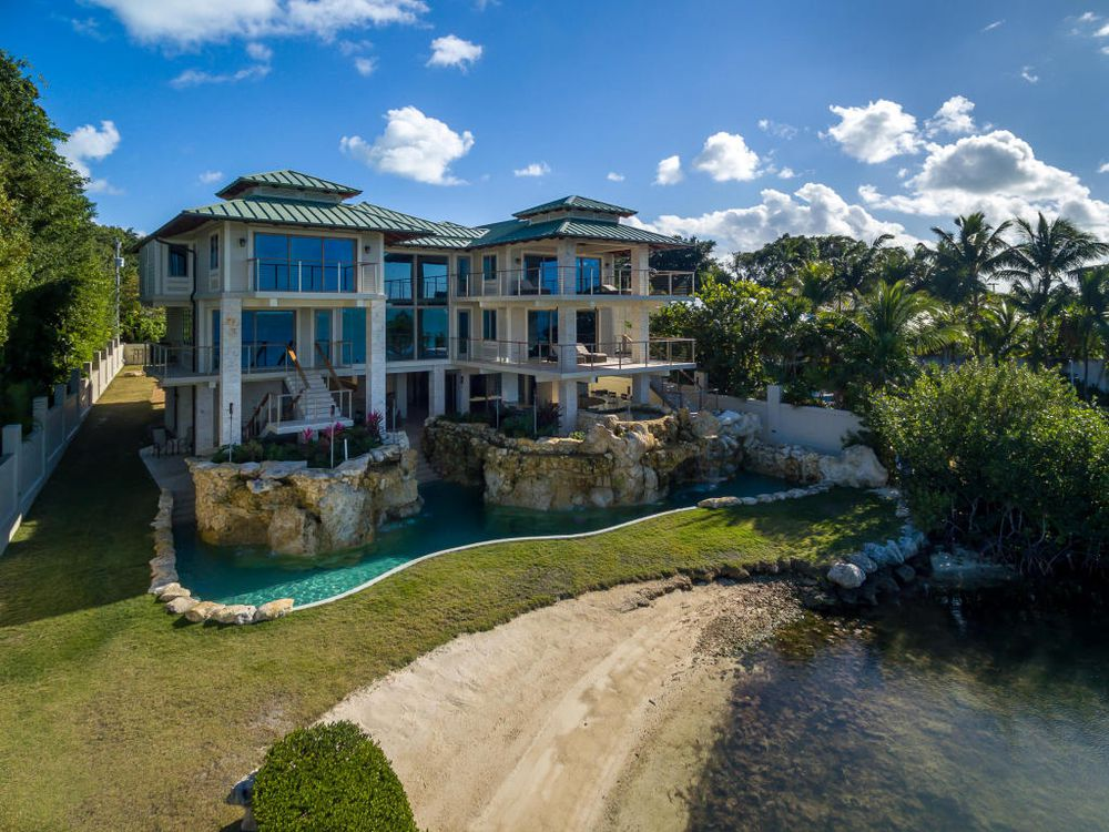 Perla miami luxury real estate florida keys dream mansion for Expensive homes in florida
