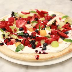 Fruit pizza at Sugar Factory American Brasserie
