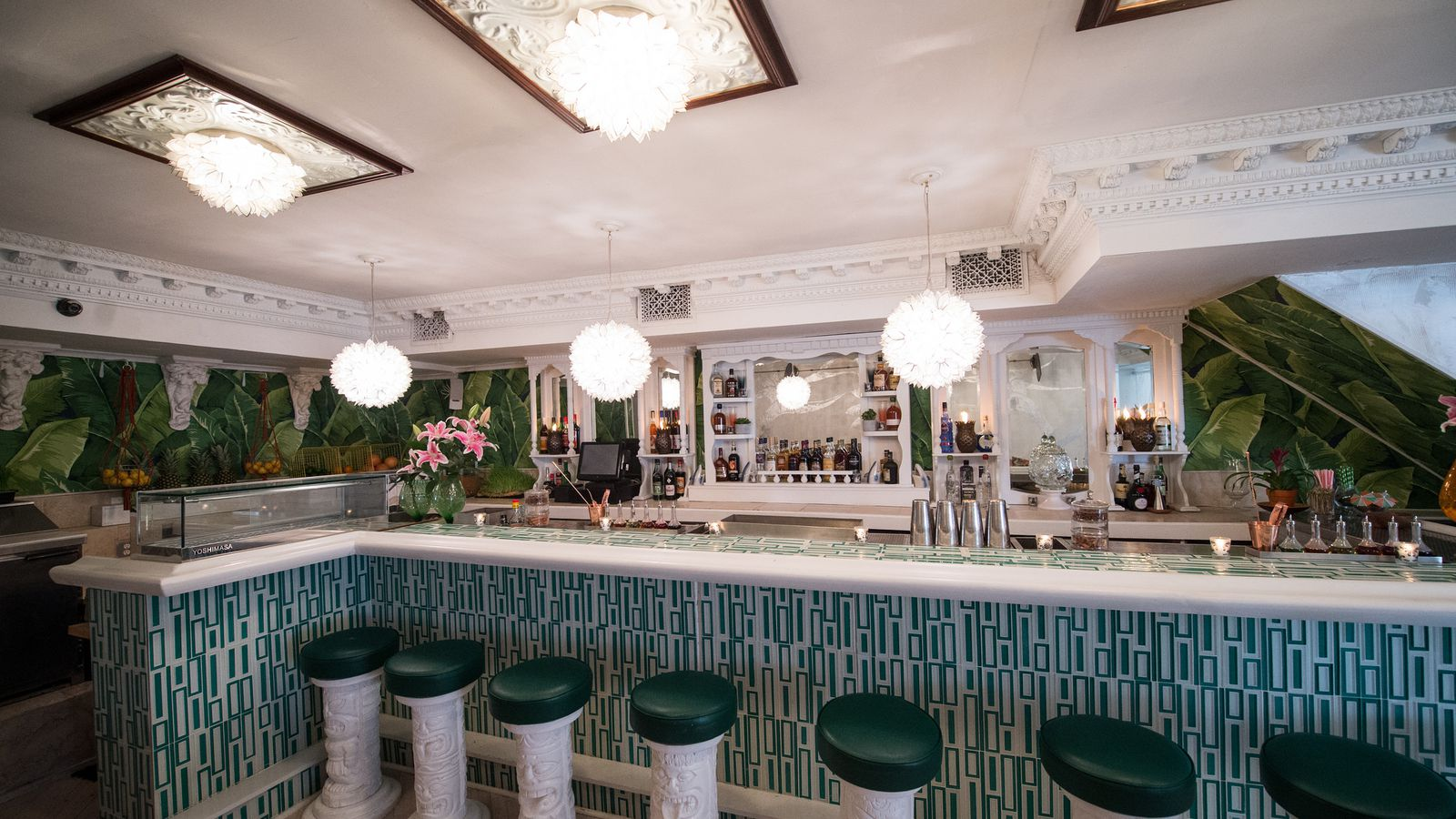 Ravi Derossi S Tiki Bar Mother Of Pearl Starts Pouring