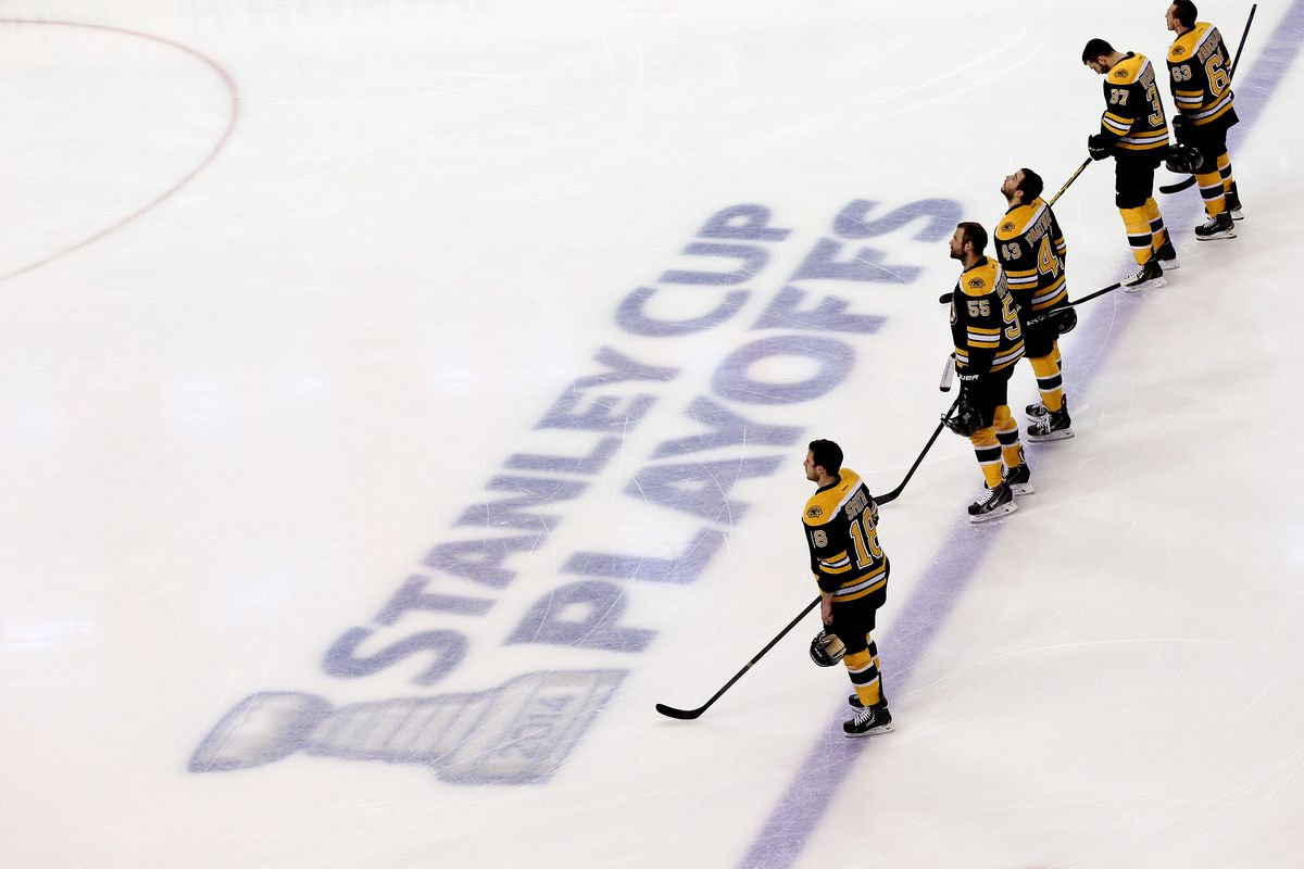 Bruins clinch playoff berth with 4-0 win over Lightning