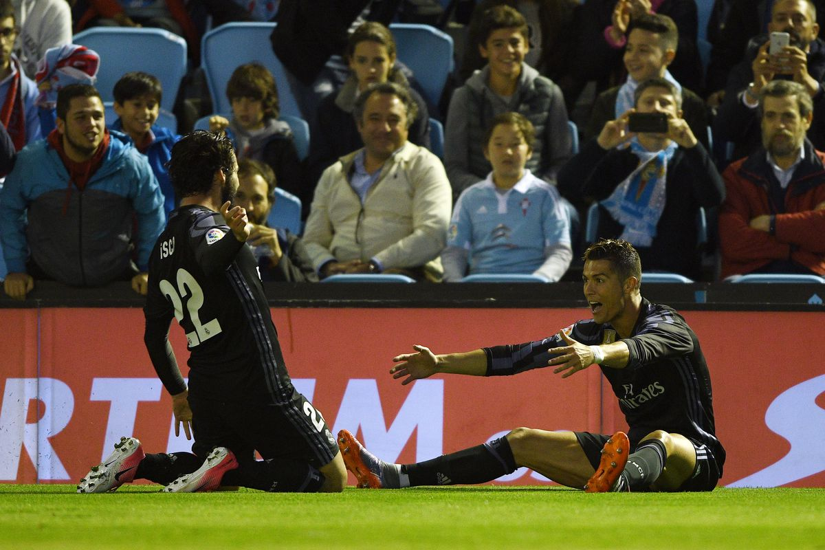 Real Madrid beat Malaga to secure La Liga title