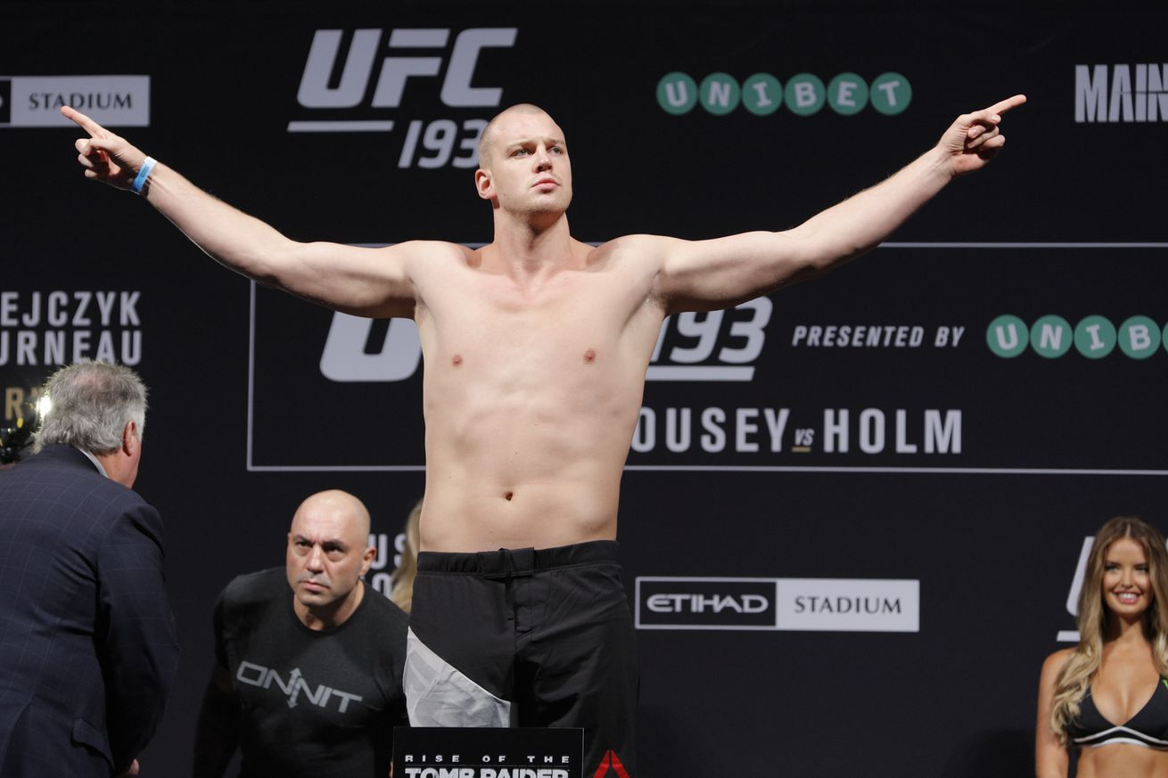Morning Report: Stefan Struve: Everything kind of fell apart for me after the fight with Stipe