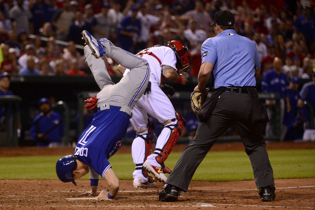 Angels edge Blue Jays, 2-1