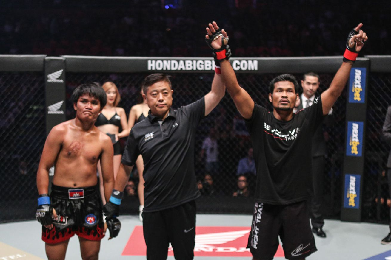 Boxing world champion Yodsanan Sityodtong still craves glory in the MMA arena