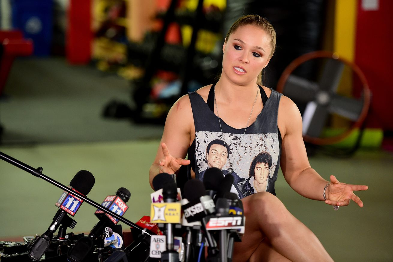 community news, Ronda Rousey's 'fine ass' edited from Derrick Lewis post fight interview at UFC Halifax (video)