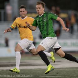 Stanford alum Corey Baird playing for the Burlingame Dragons.