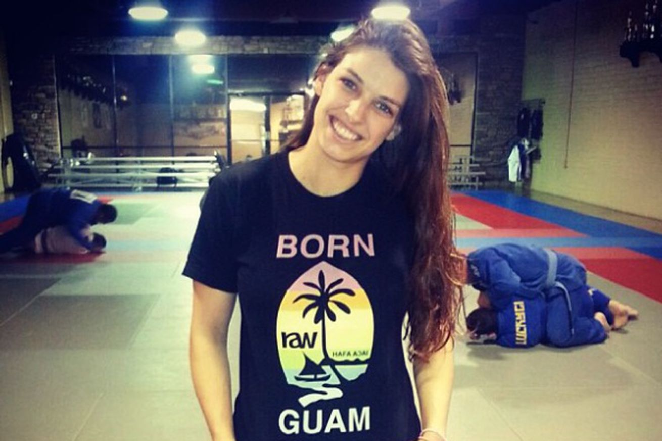 Rising prospect Mackenzie Dern returns to cage in October