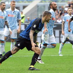 Mauro Emanuel Icardi of FC Internazionale Milano celebrates after scoring the opening goalduring the Serie A match between FC Internazionale and Spal at Stadio Giuseppe Meazza on September 10, 2017 in Milan, Italy.