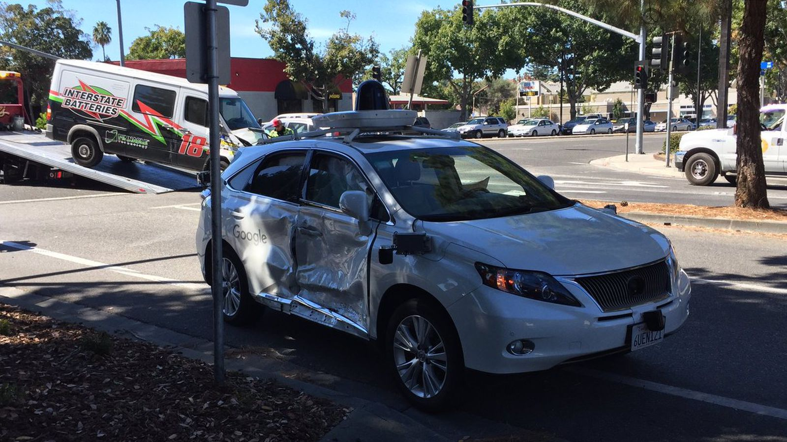 Google's 'worst' self-driving accident was still a human's fault - The Verge