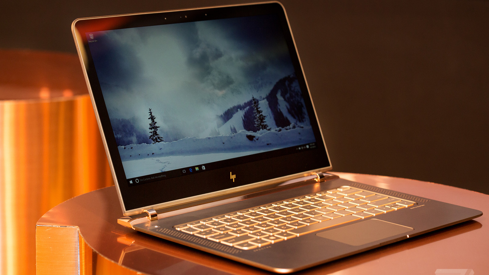 Mossberg HP Aims At The Mac With Super Slim Laptop