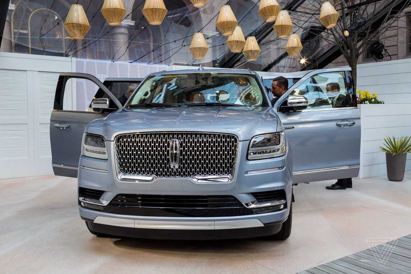 The new Lincoln Navigator is elegant luxury in a gigantic package