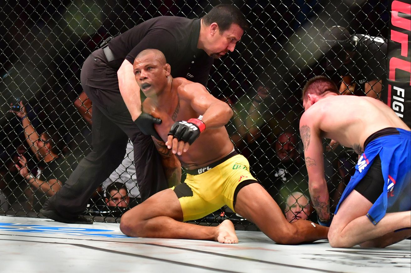 Alex Oliveira believes submission win over Tim Means will silence doubters