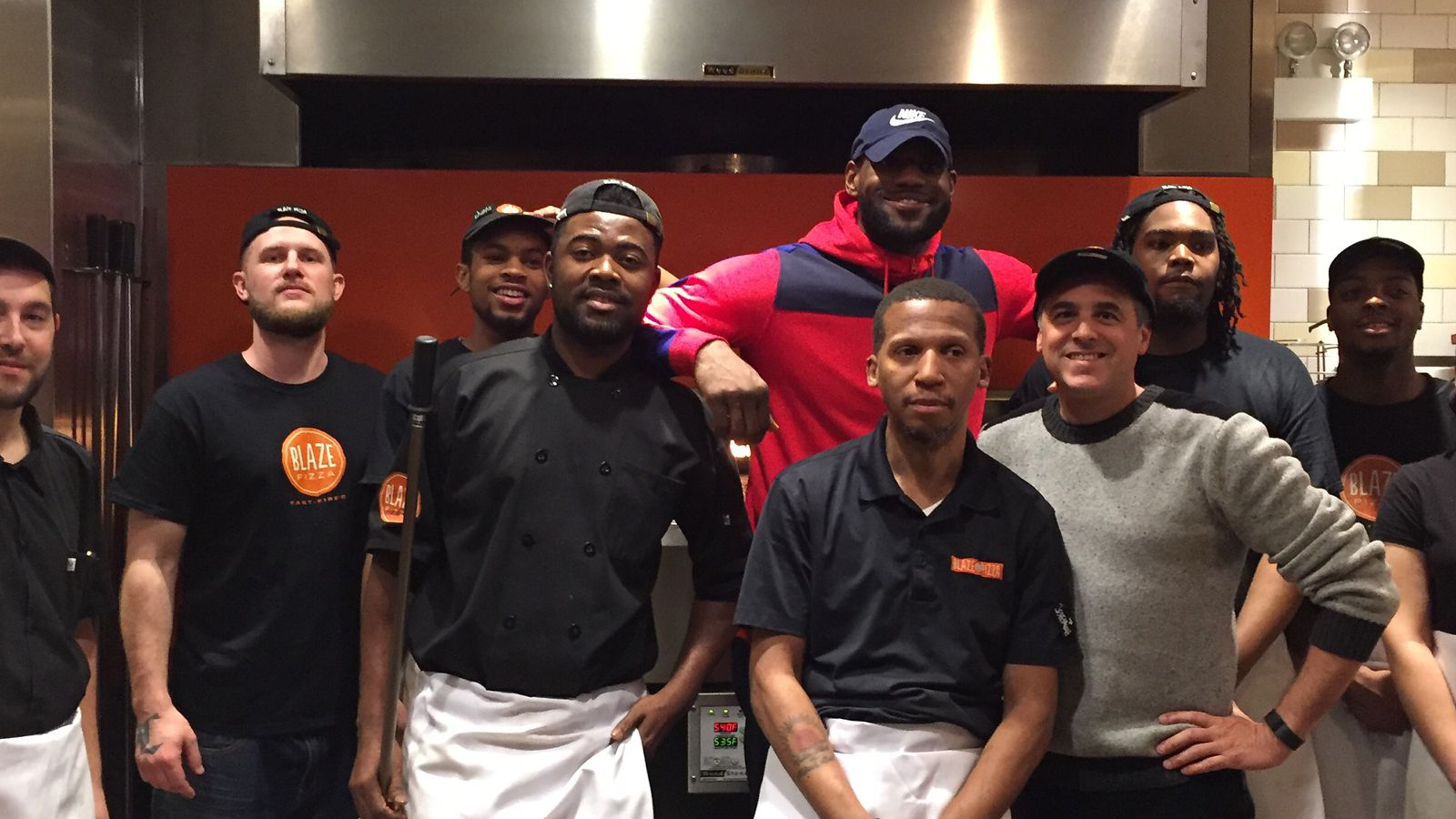 Lebron James Appears At Blaze Pizza In Chicago Eater Chicago