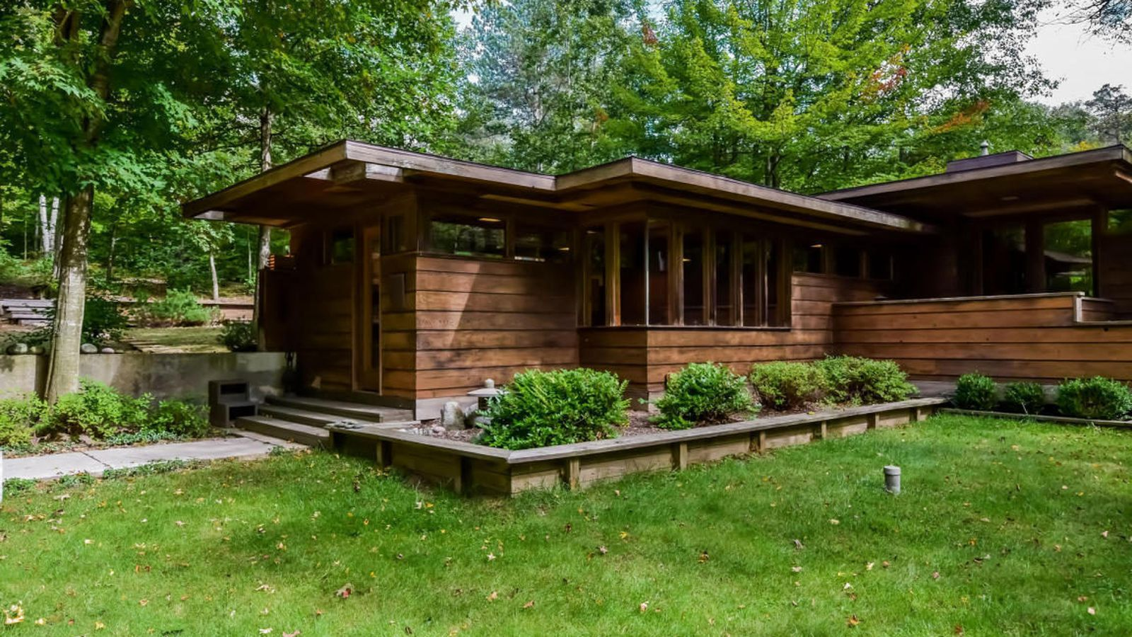 Stellar Frank Lloyd Wright Inspired Michigan Home Asks