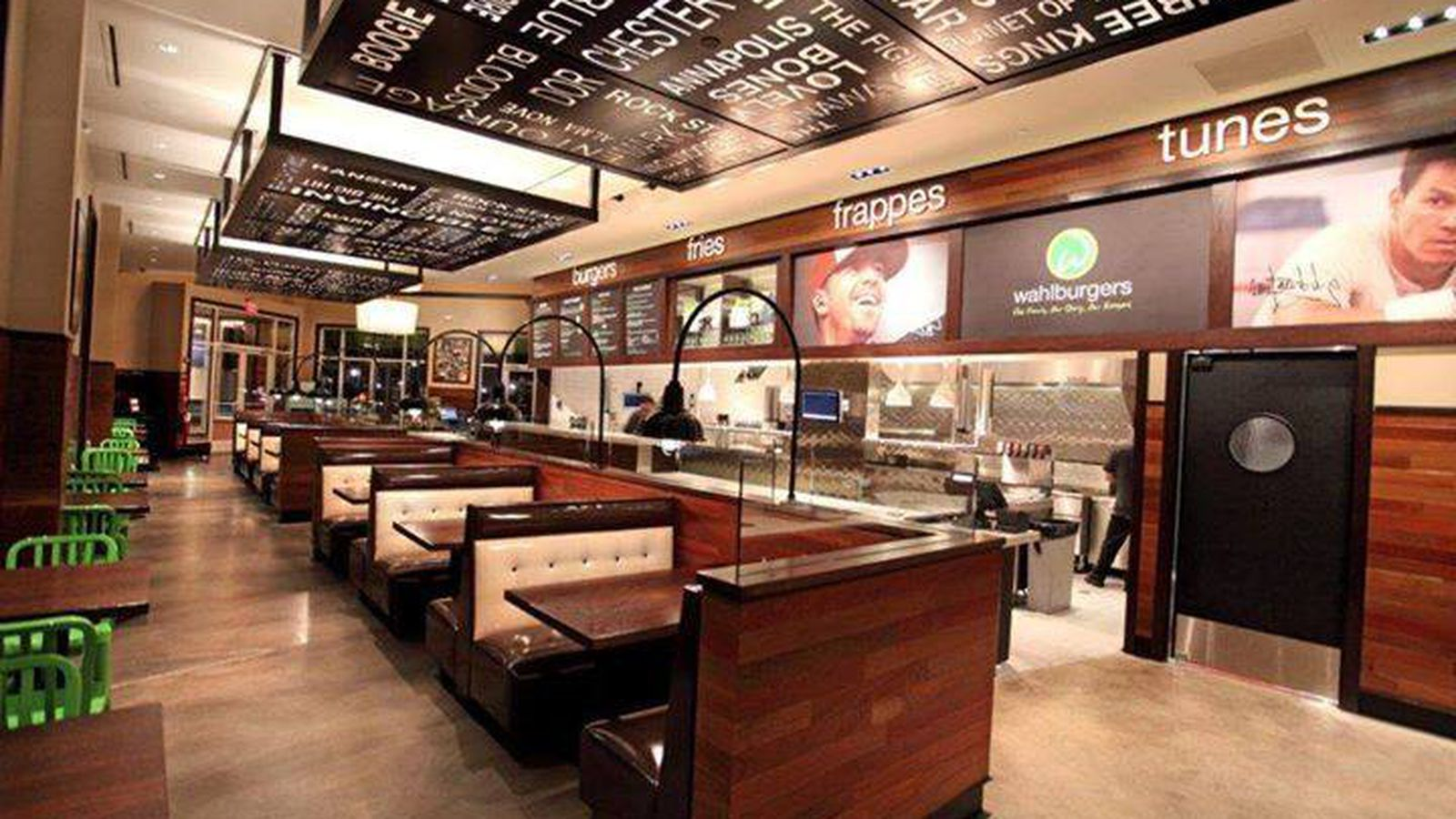 Mark Wahlberg Brings La S First Wahlburgers Location To