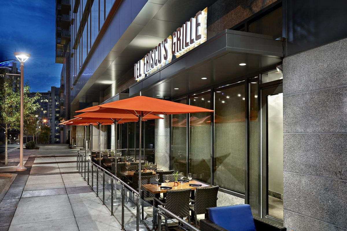 Del frisco s grille gulch location now open brentwood for Del frisco s chicago