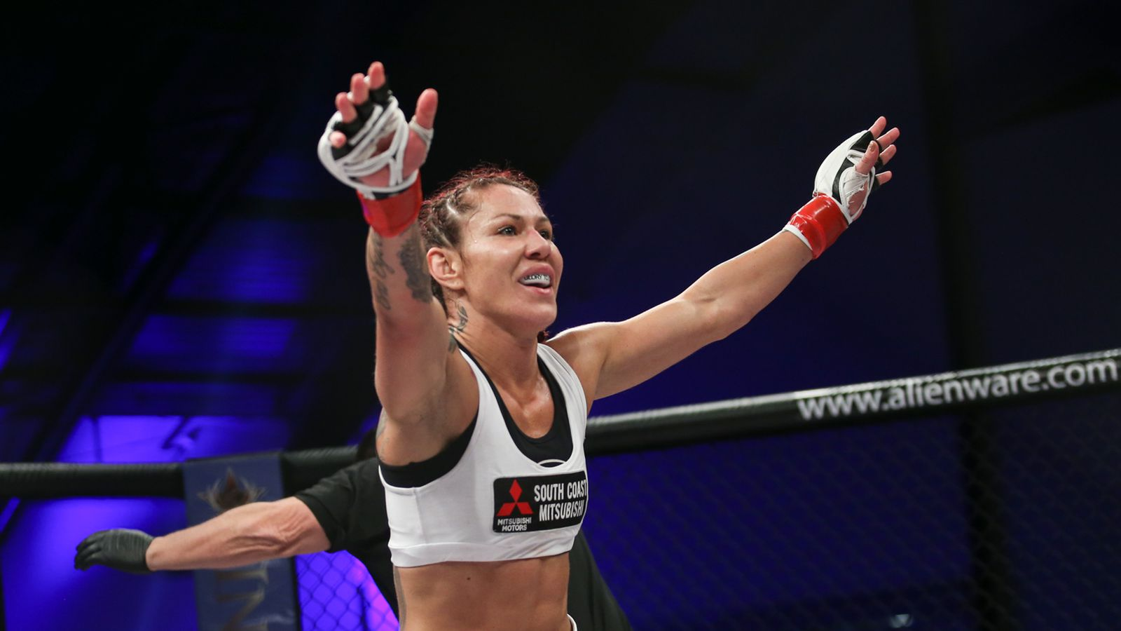 Cris Cyborg Nude Photos 22