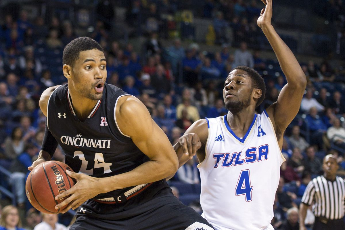 UC beats UConn, will play for AAC title