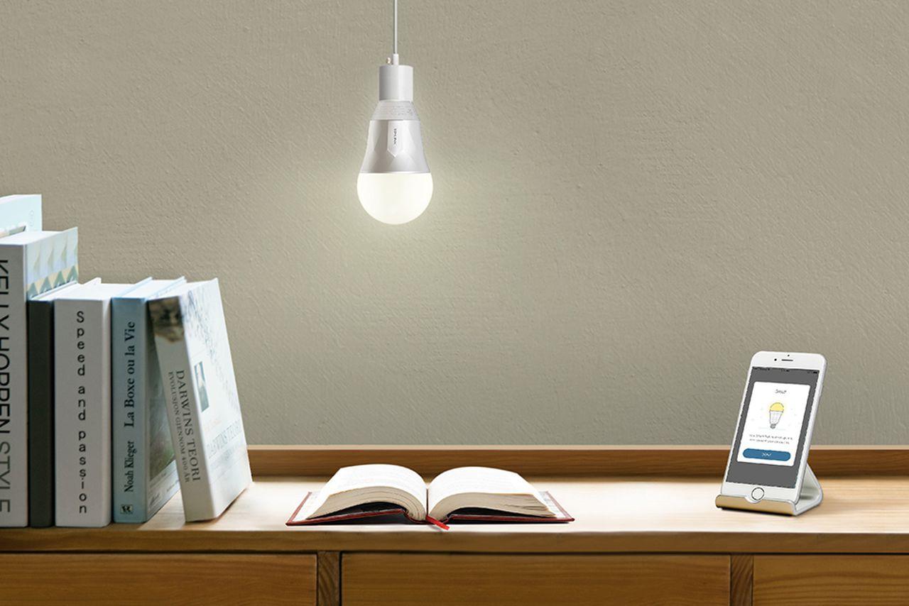 tp link releases three alexa compatible smart light bulbs the verge. Black Bedroom Furniture Sets. Home Design Ideas