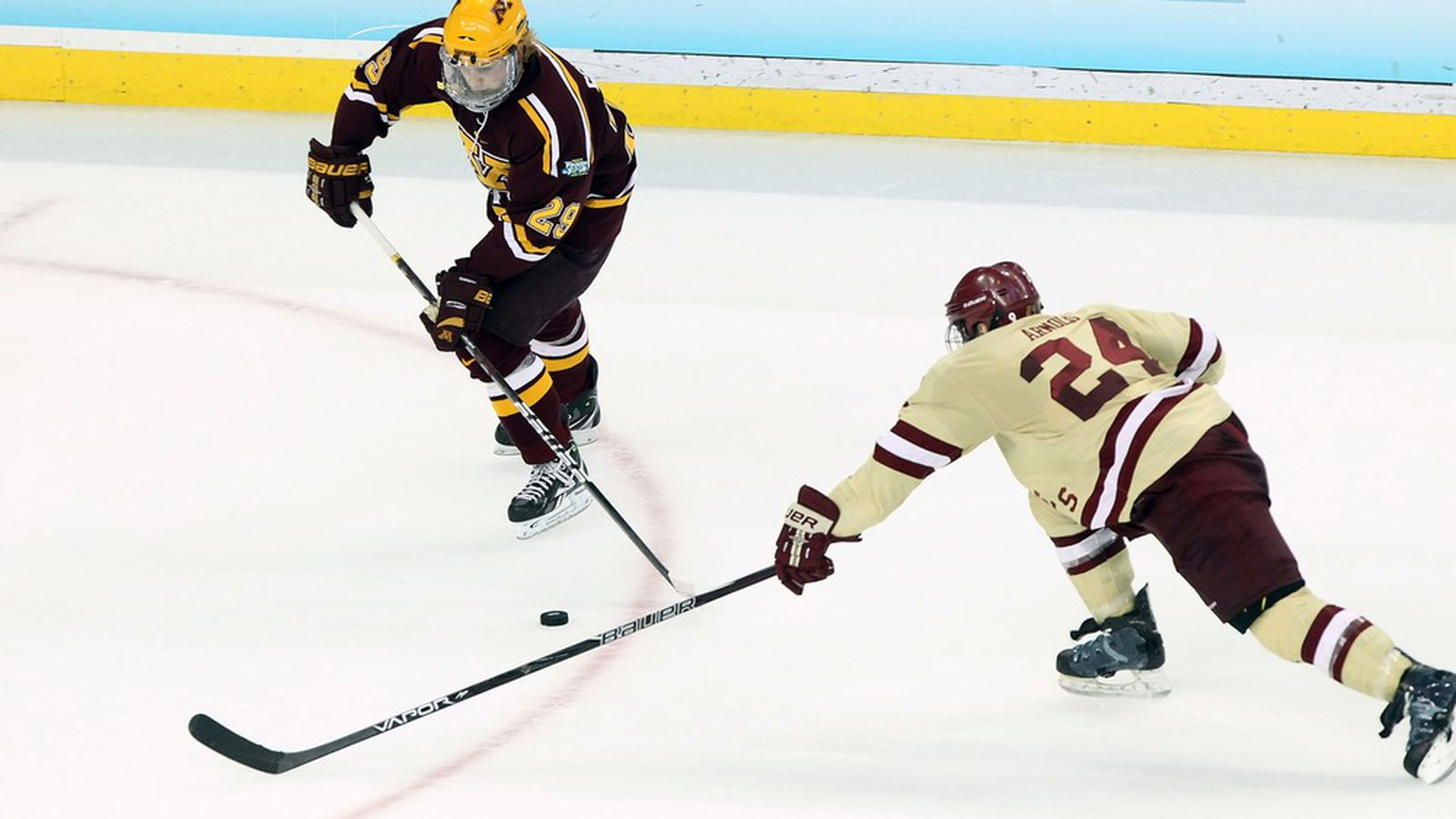 Minnesota Gopher Hockey loses 4-3 to St Cloud for Series ... Gopher Hockey