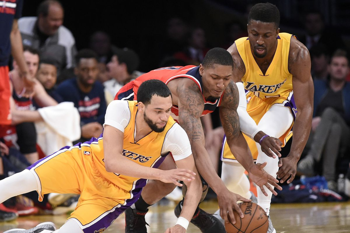 Wizards defeat Lakers to clinch Southeast Division crown, ending 38-year drought