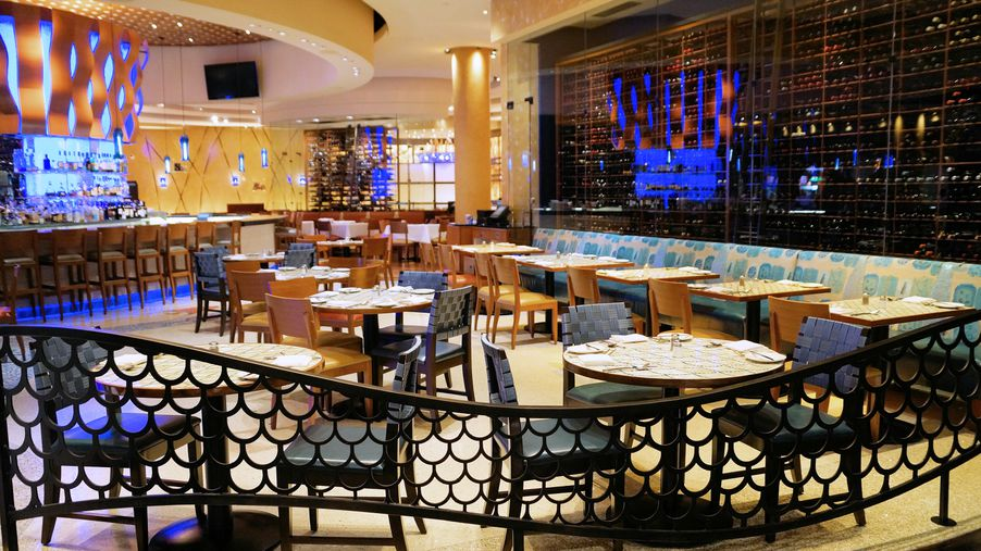 Emeril kicks his new orleans fish house up a notch with for Emerils fish house