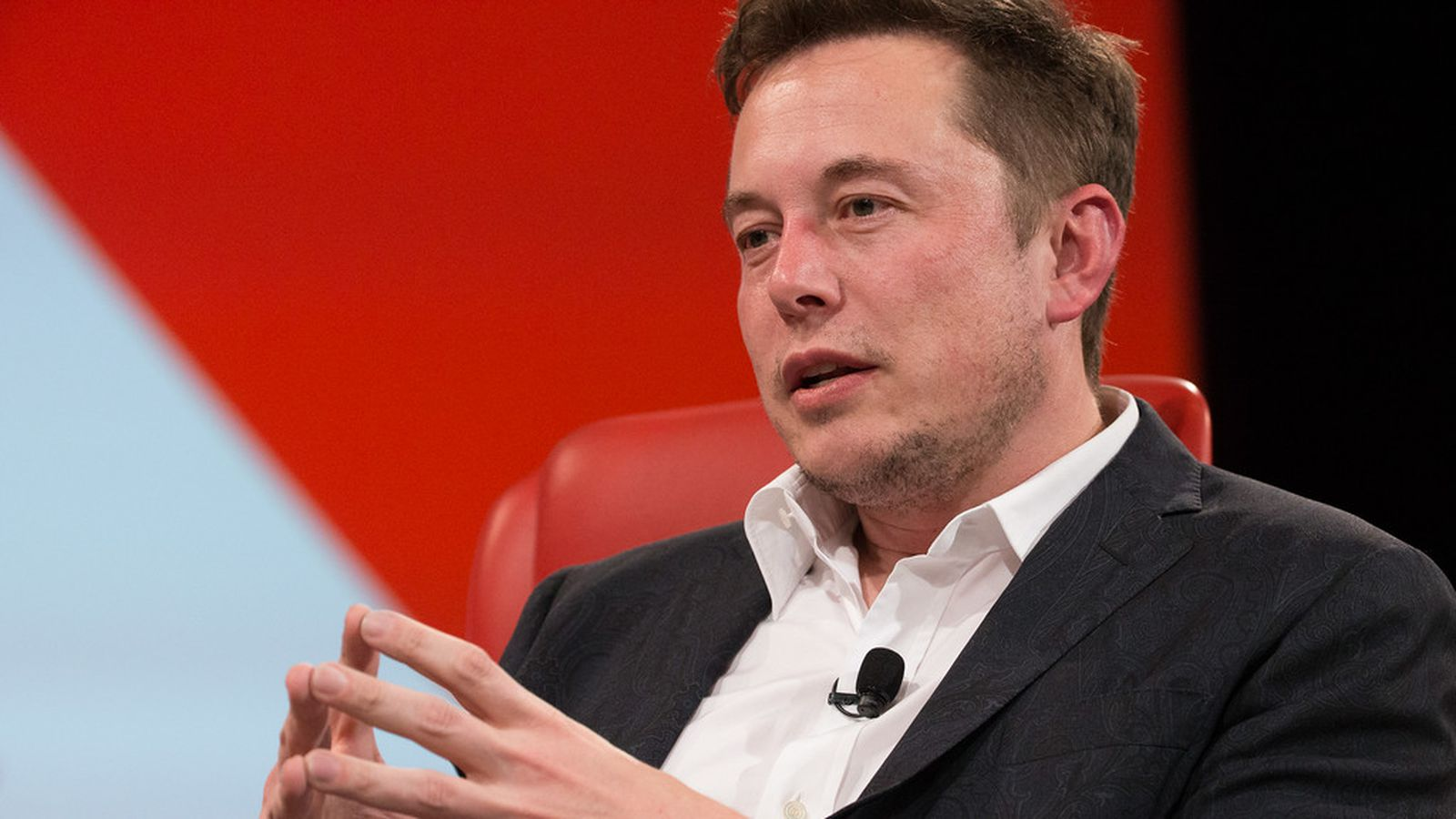This tech investor is running full-page newspaper ads to convince Elon Musk to dump Trump