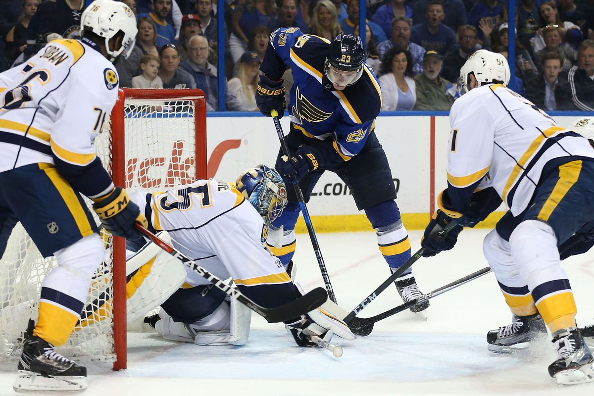 Alex Steen played through broken foot during Blues-Predators series