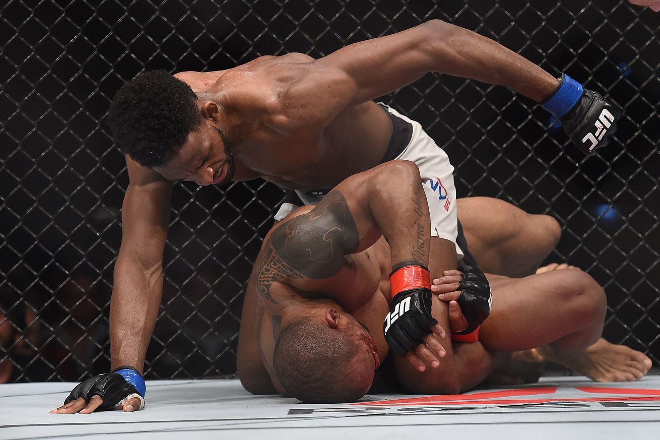 Neil Magny signs new four fight contract with UFC