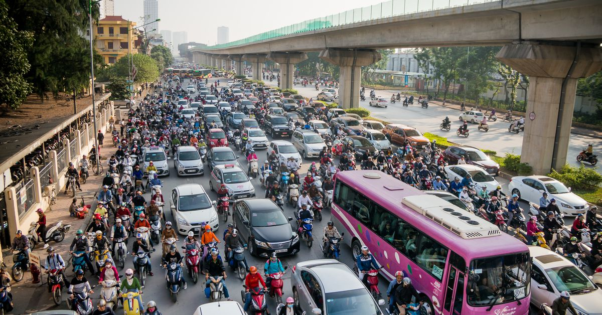 traffic in vietnam Itec essay game 2012 - 'think different' the traffic problems that we all incur is a real socio on economic dilemma for vietnam many relieving initiatives have been tried and tested but not all.